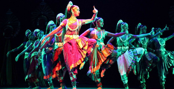 Bahrain: Colourful & Vibrant Alvas Virasat Nudisri weaves magic of folklore dances