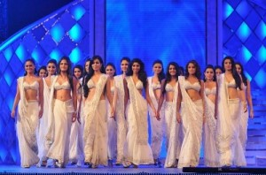 800px-Miss_India_Contestants_in_Lehengas-400x265