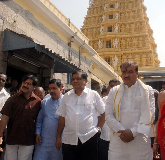 bjp-launch-poll-mysore_1