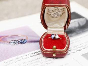 napoleons-engagement-ring-to-josephine