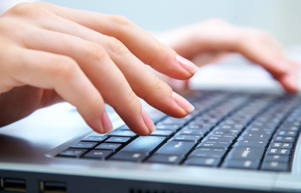 typing-on-laptop