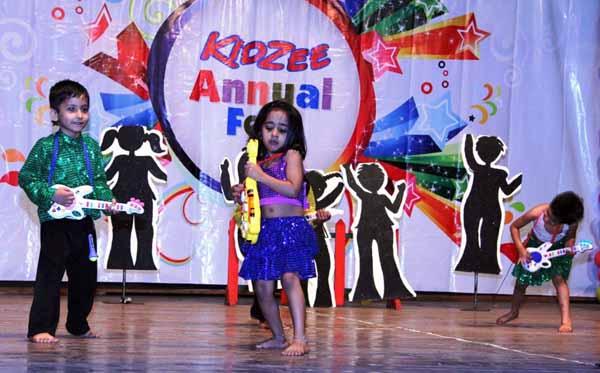 12_RZ_Kidzee kids performing at Kidzee's 10 year celebration in Mulund