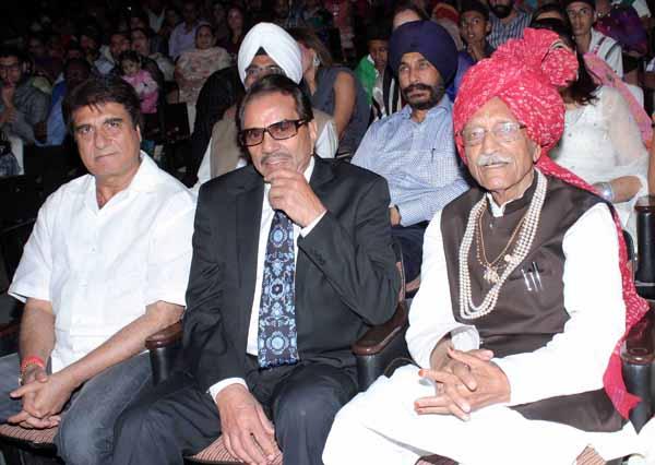 13_RZ_Raj Babbar Dharmendra and Mahasay Dharmpal at Baisakhi Di Raat