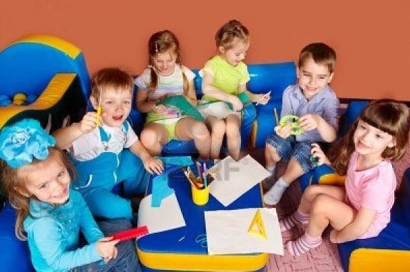7872239-art-and-craft-activity-in-the-kindergarten