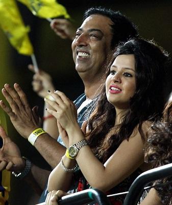 B_Id_373662_Sakshi_Dhoni_IPL_6