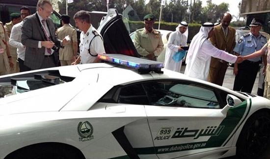 Dubai Police add £300,000 Lamborghini to their fleet