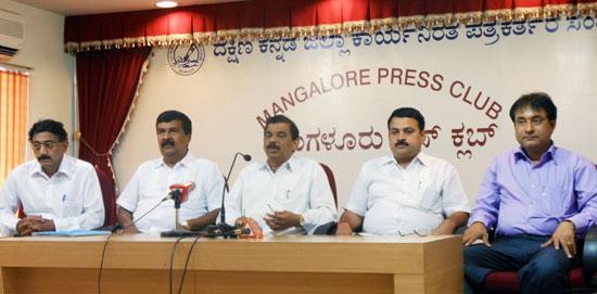 Monappa-bhandary-press_3