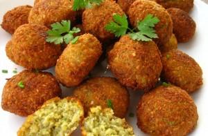 falafel,pickled turnipscarrot 055