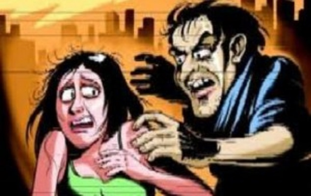 Woman dies while trying to save daughter from being molested