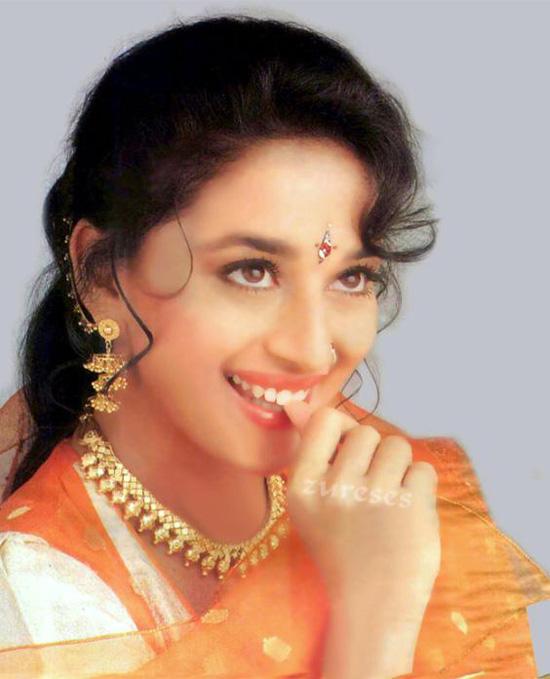 Madhuri-Dixit-9