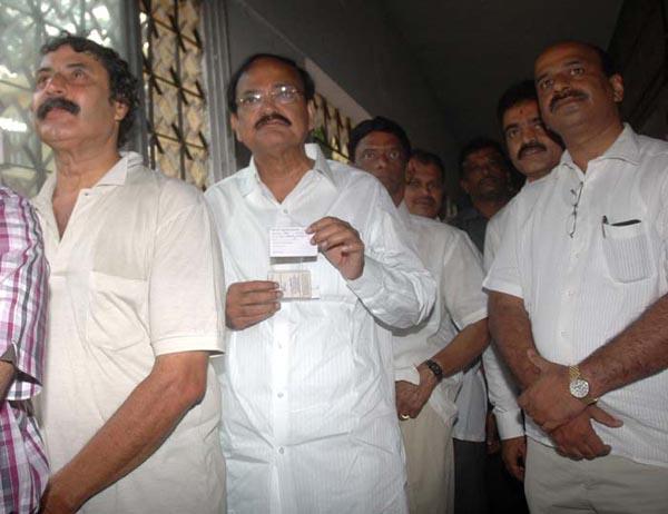 Venkaih-naaydu-election-2013
