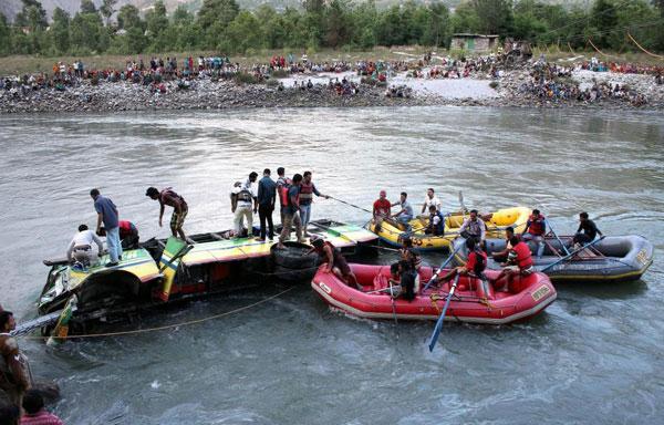 bus-accidentHimachal-Pradesh3