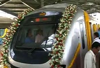 mumbai-metro-flowers