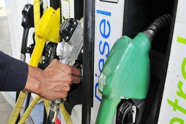 petrol_pump--621x414