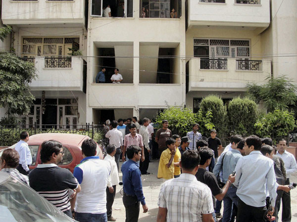 police-sucide-delhi