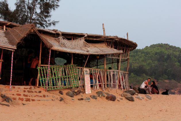 shacks-in beach