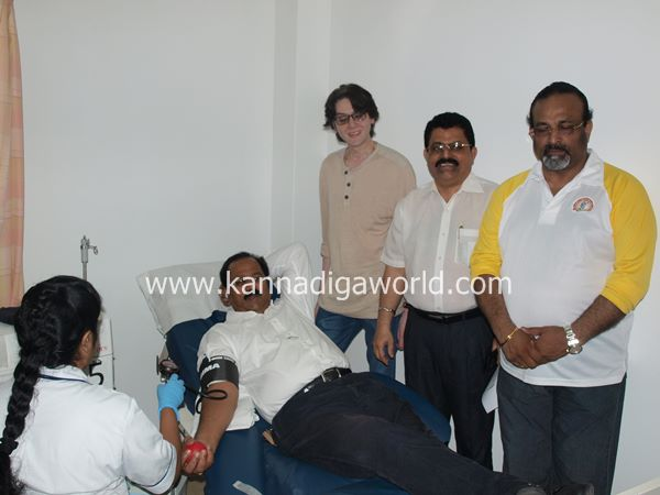 uae bunts blood camp-2013 015