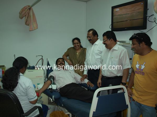 uae bunts blood camp-2013 033