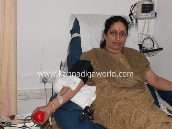 uae bunts blood camp-2013 057