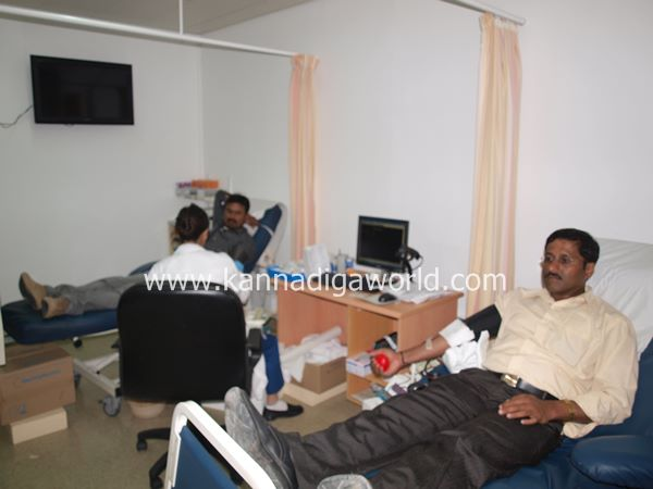 uae bunts blood camp-2013 065