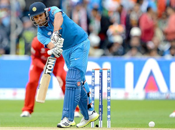 India lift Champions Trophy-2013-001