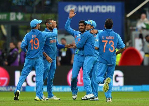 India lift Champions Trophy-2013-008