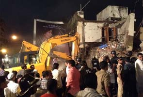 Mahim_building_collapse_rescue_295