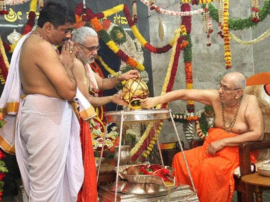 Venktrmn_sanyasa_dhiks_1