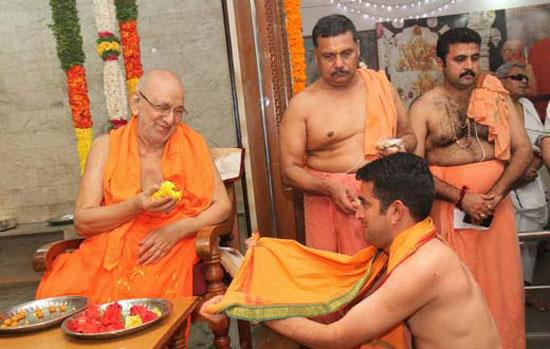 Venktrmn_sanyasa_dhiks_7