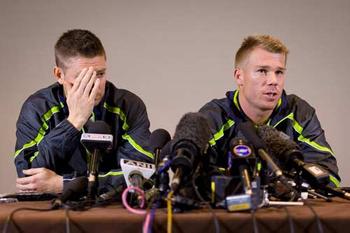 Suspended Warner apologises to Root