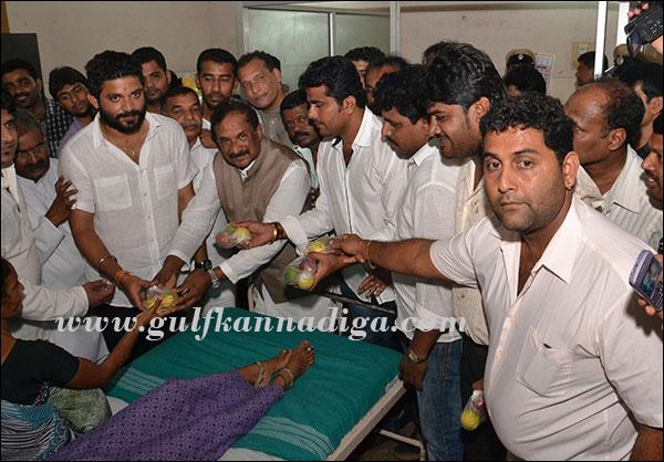 homeminister_visit_hospital_1