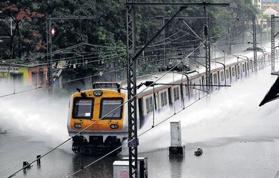 train-mumbai