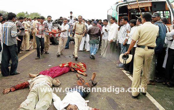 Bijapur-accident-jul-22-001