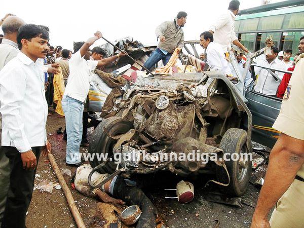 Bijapur-accident-jul-22-002