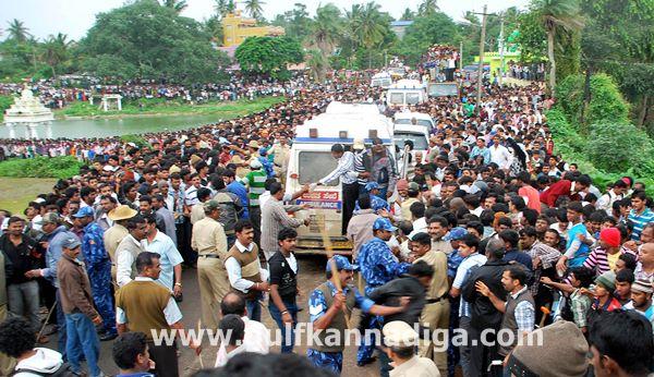 Hassan-accident-beluru-2013-001