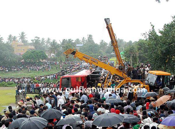 Hassan-accident-beluru-2013-004