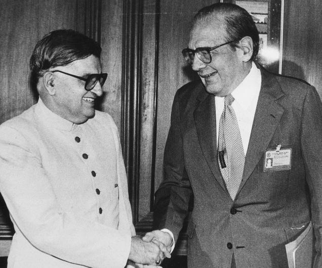 Minister for External Affairs Khurshed Alam Khan with Brazil's Minister of External Relations in this July 22, 1985 picture.