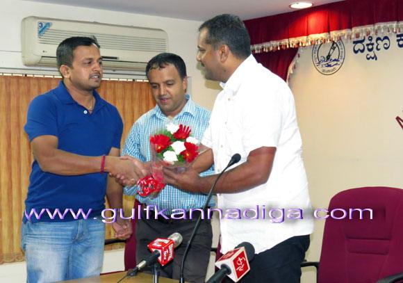 Khadar_Meet-da_press_6