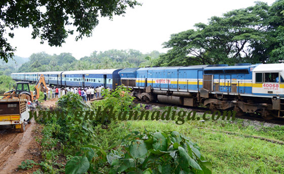 Railway_Crosinig_Protest_2