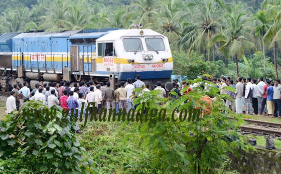 Railway_Crosinig_Protest_4