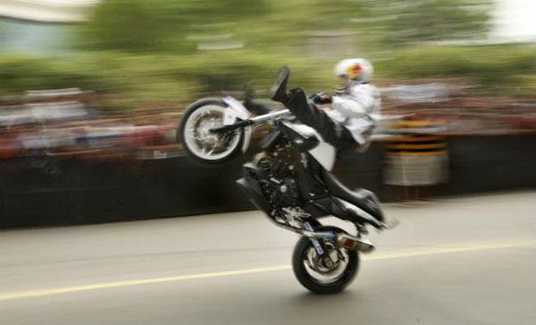 bike stunt Delhi_0