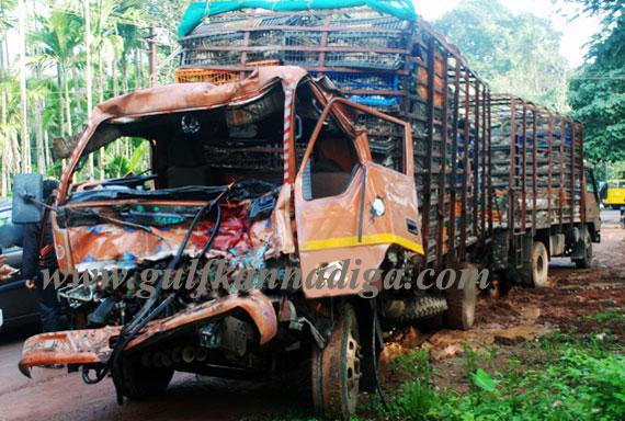 Bus_truck_collision_1