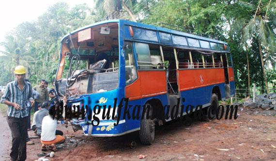 Bus_truck_collision_2