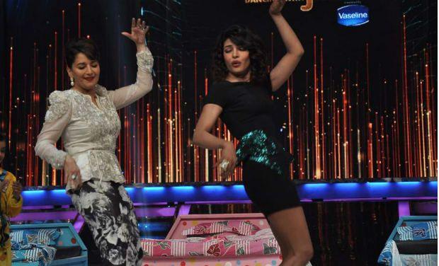 Jhalak_MadhuriPriyanka dance