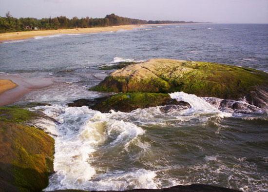 Someshwara_beach_down