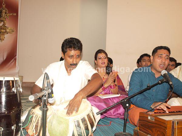 Varamahalakshmi dubai-2013-020
