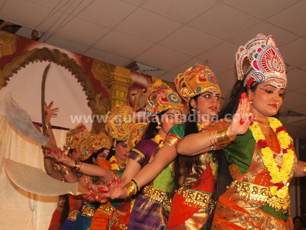 Varamahalakshmi dubai-2013-226
