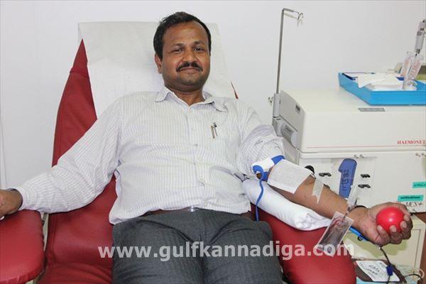 Vishwakarma seva samiti dubai-blood-Aug 9-2013-009