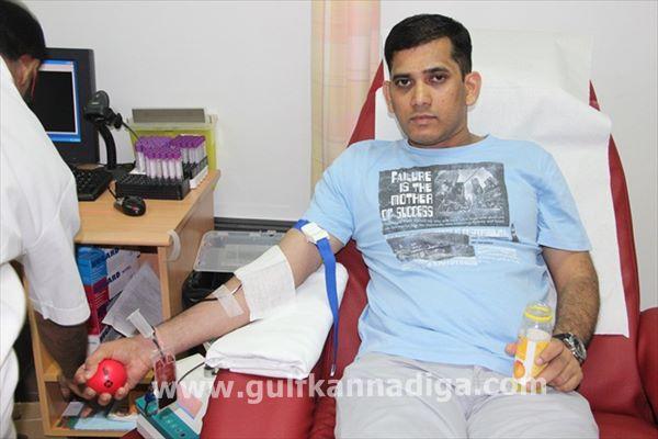 Vishwakarma seva samiti dubai-blood-Aug 9-2013-016