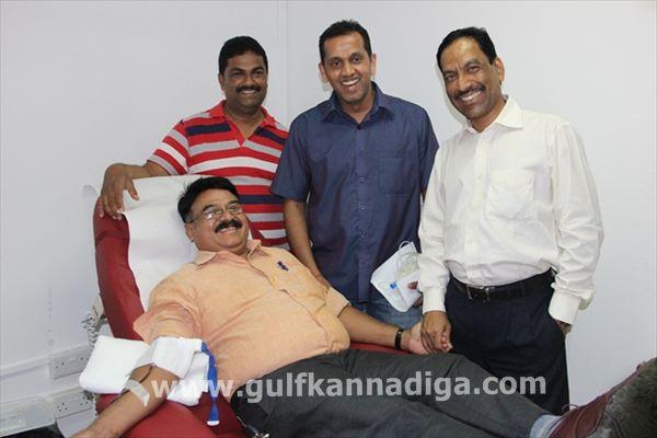 Vishwakarma seva samiti dubai-blood-Aug 9-2013-024